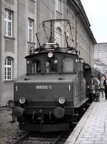 berlin-deutsche-bahn-ag/602276/169-002-2-in-muenchen-hbf-am 169 002-2 in München Hbf am 27.06.1982 (Diascan).