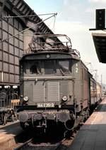 berlin-deutsche-bahn-ag/602421/144-035-3-in-karlsruhe-am-17041982 144 035-3 in Karlsruhe am 17.04.1982 (Diascan).